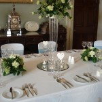 Table flowers in ivory & green